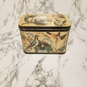 💘 Vintage 1986 Bird Tin Container